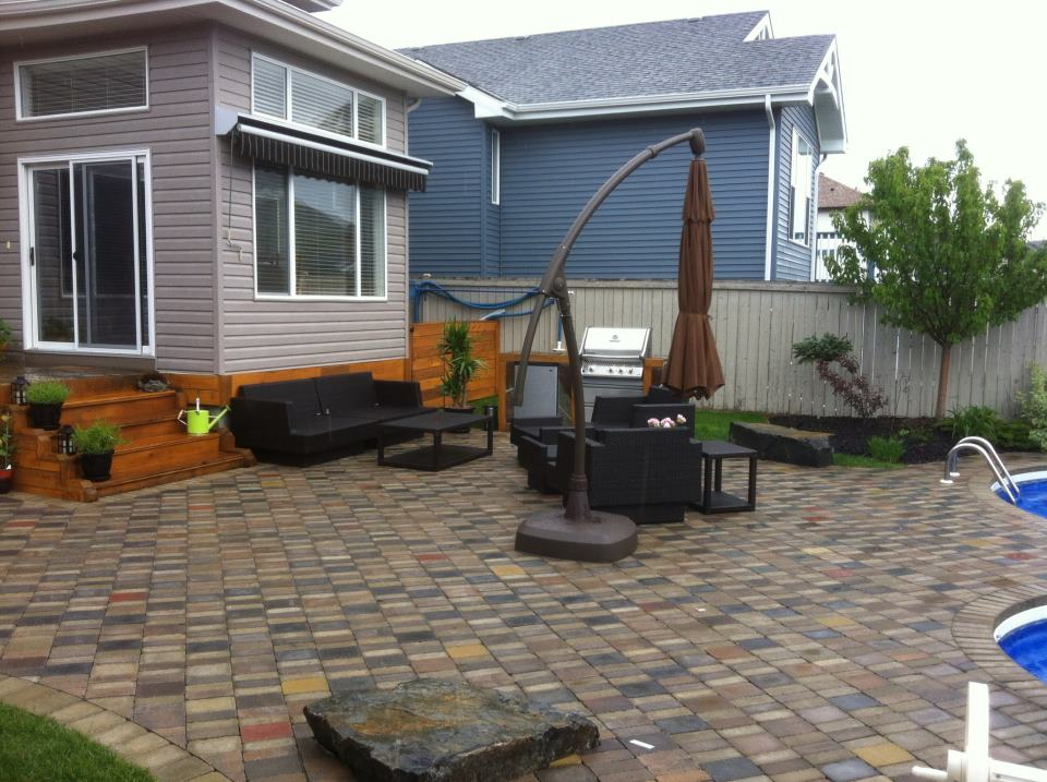 CityScape Landscaping Calgary - Patio and pool Landscaping